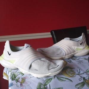 Nike Free Run RN Flyknit 3.0 Pure Platinum Size 10